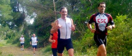 Robert und Thomas steigern das Tempo auf der Zielgeraden