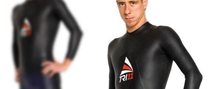 Sehr flexible: Das dünne und elastische Material reicht seitlich bis zur Hüfte