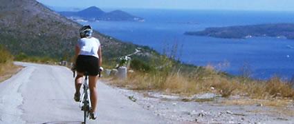 Lässt Radfahrer-Herzen höher schlagen: einsame Straßen, guter Asphalt und ein abwechslungsreiches Terrain
