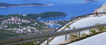 Ruhe und guter Asphalt erwarten den Radfahrer in Kroatien abseits der Küstenstrasse