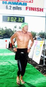 Auftakt: 10km Schwimmen im Meer sind geschafft. Bild: Rick Kent