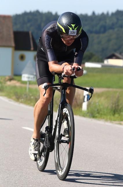 Kopf runter und treten: Die Radstrecke bietet optimale Bedingungen für ein faires Rennen.