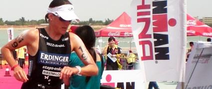 Nicole Leder lag beim Wasseraussteig noch zurück, lief aber später auf den zweiten Platz.