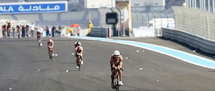 Perfekter Saisonstart: Andi Böcherer beim Abu Dhabi Triathlon. Bild: ulihb