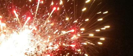 Zielschluss: Das Feuerwerk am Strand begeistert und bewegt