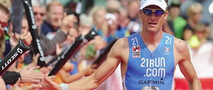 Timo Bracht erkämpft sich den zweiten Platz hinter Andreas Realert. Bild: AGU Sports